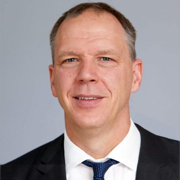 Dr. Frederik Putzo